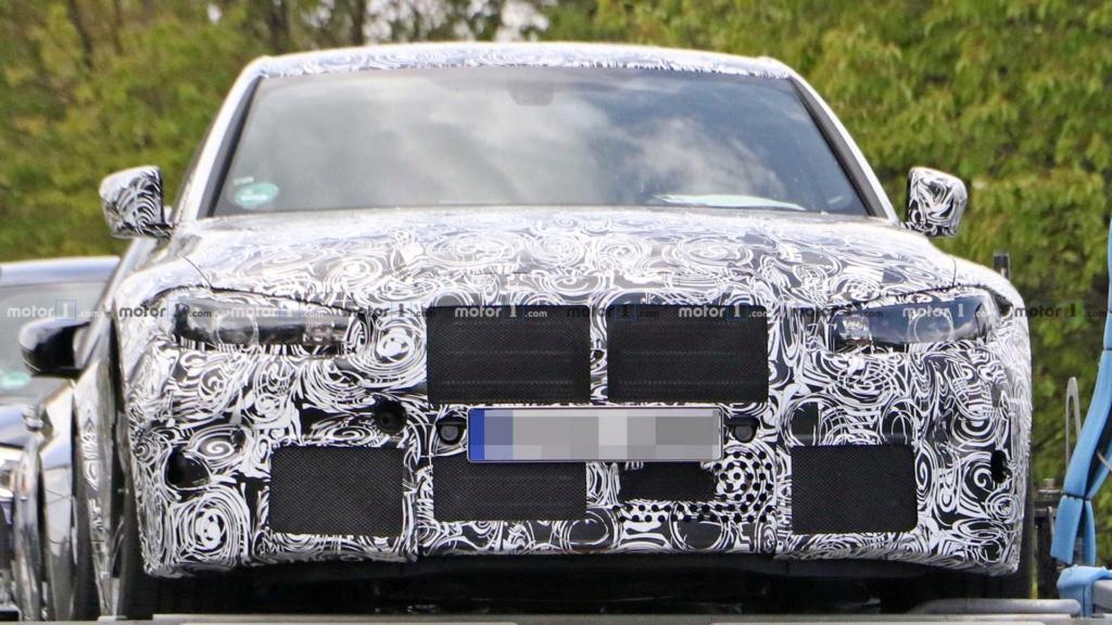 Novo BMW M3 2020 se revela por baixo em carreta 2020-b13