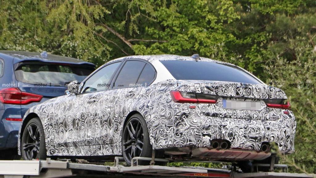 Novo BMW M3 2020 se revela por baixo em carreta 2020-b14