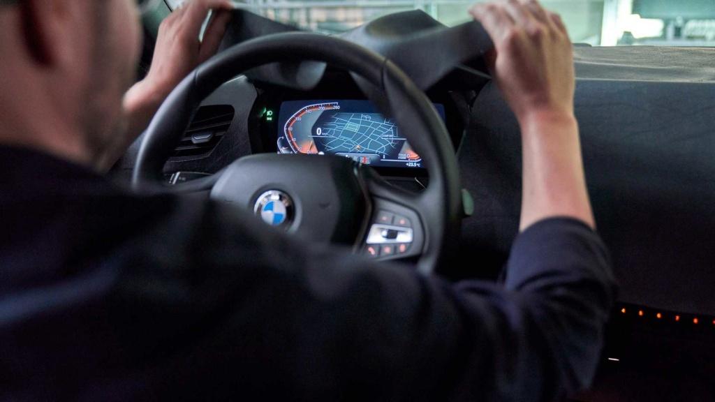 BMW adianta design invocado do novo Série 1 2020 2020-b24