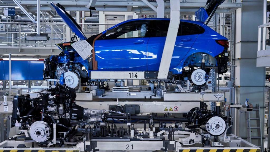 BMW inicia produção do Série 1 2020, o primeiro com tração dianteira 2020-b33
