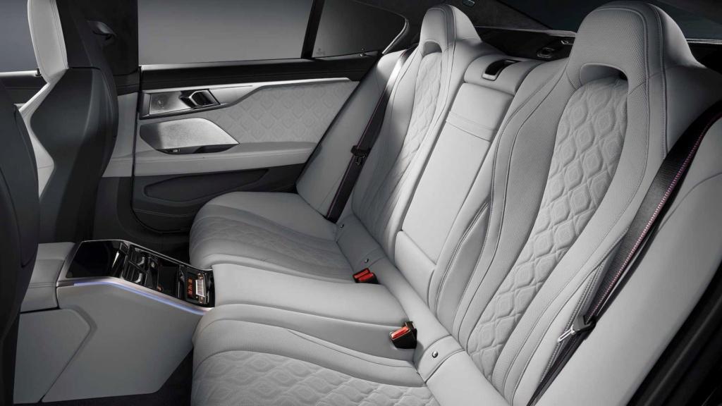 BMW M8 Gran Coupe é revelado com até 625 cv 2020-b55