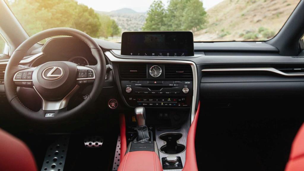 Lexus RX é renovado e agora detecta pedestres até no escuro 2020-l36