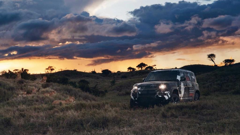 Novo Land Rover Defender já rastreia leões na África 2020-l43