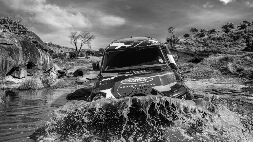 Novo Land Rover Defender já rastreia leões na África 2020-l46