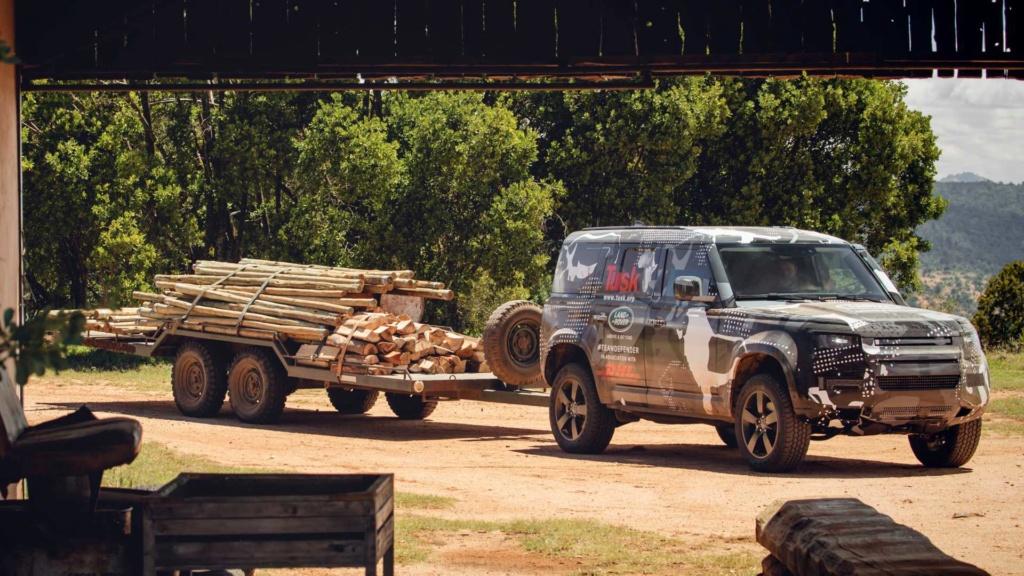 Novo Land Rover Defender já rastreia leões na África 2020-l52