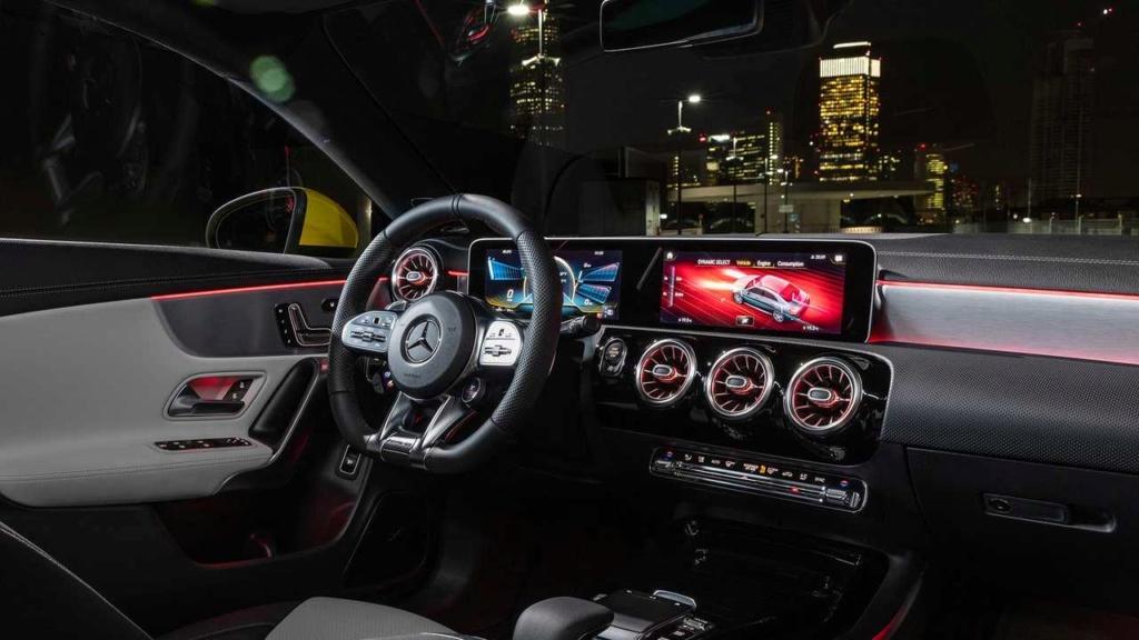Novo Mercedes-AMG CLA 35 com 306 cv e design invocado  2020-m11