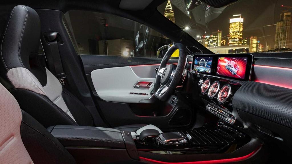 Novo Mercedes-AMG CLA 35 com 306 cv e design invocado  2020-m15