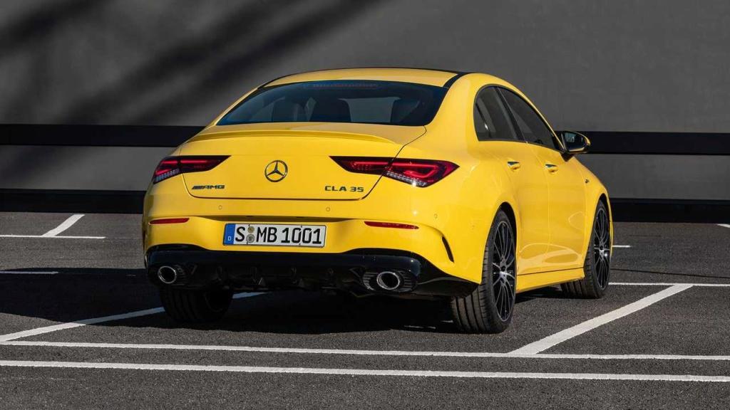 Novo Mercedes-AMG CLA 35 com 306 cv e design invocado  2020-m22