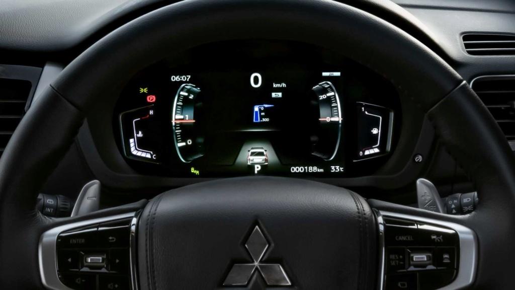 Recém-lançado no Brasil, Mitsubishi Pajero Sport ganha nova cara na Ásia 2020-m34