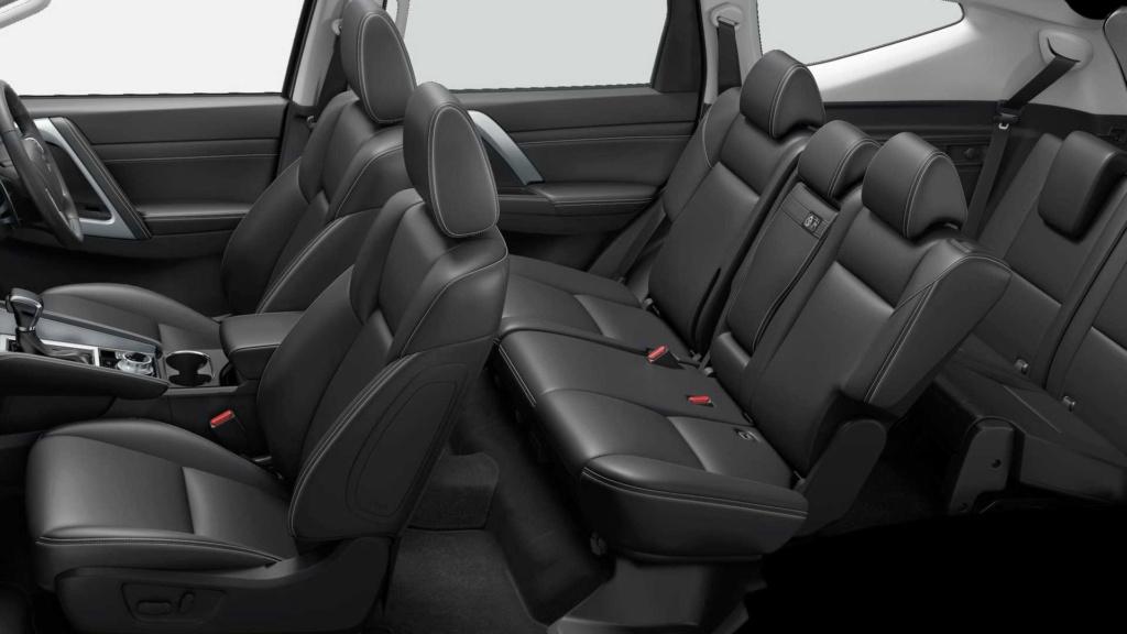 Recém-lançado no Brasil, Mitsubishi Pajero Sport ganha nova cara na Ásia 2020-m35