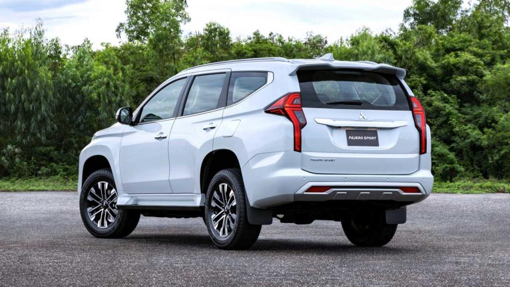 Recém-lançado no Brasil, Mitsubishi Pajero Sport ganha nova cara na Ásia 2020-m37