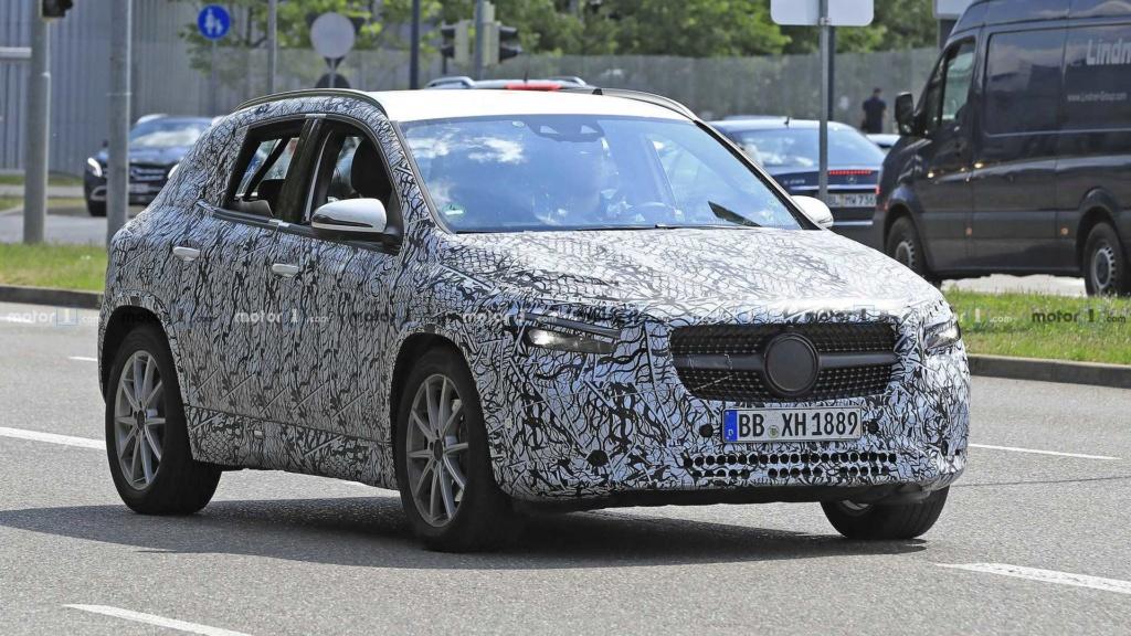 Mercedes-Benz GLA 2020 realiza últimos testes antes da estreia 2020-m38