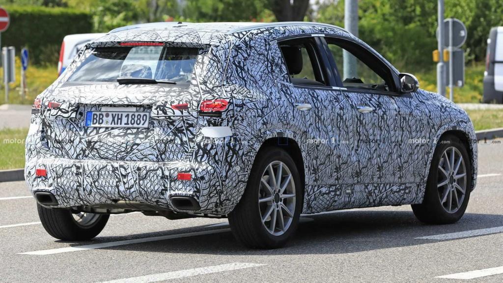 Mercedes-Benz GLA 2020 realiza últimos testes antes da estreia 2020-m40