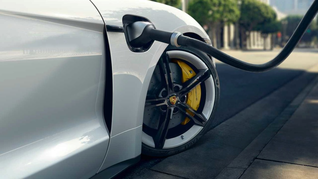 Porsche Taycan 2020 estreia como super sedã elétrico de até 761 cv 2020-p27
