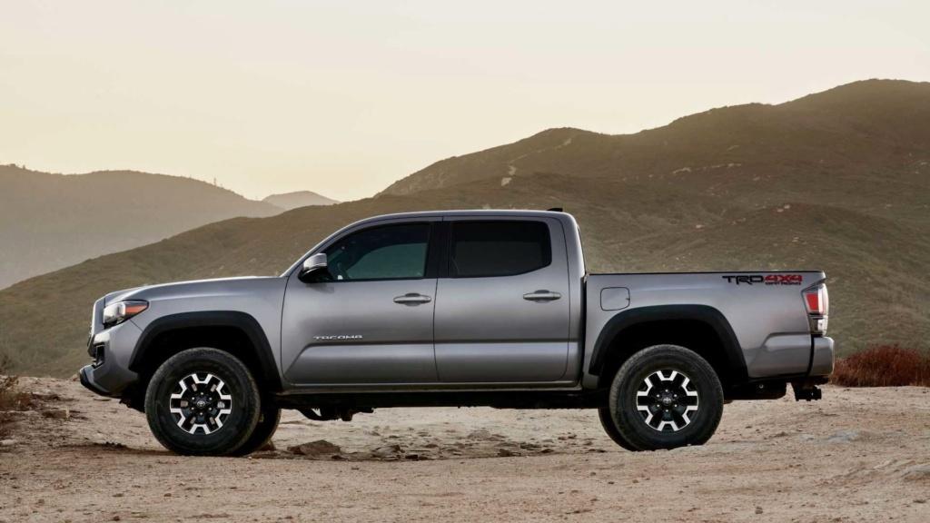 Toyota registra irmã maior da Hilux no Brasil 2020-t27