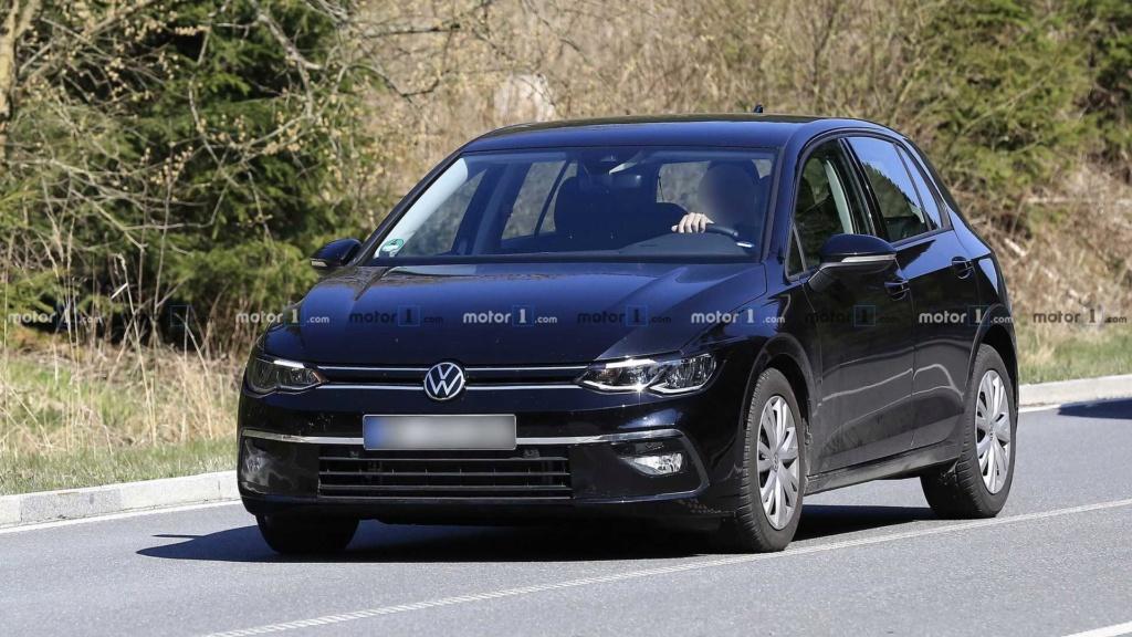 Novo VW Golf 2020 aparece quase limpo 2020-v10