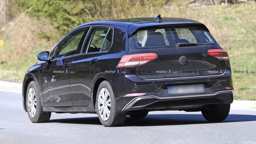 Novo VW Golf 2020 aparece quase limpo 2020-v12