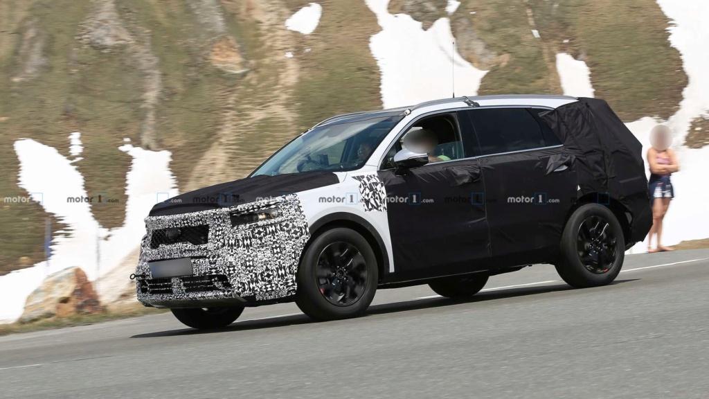 Novo Kia Sorento 2020 reboca BMW X5 durante testes 2021-k12
