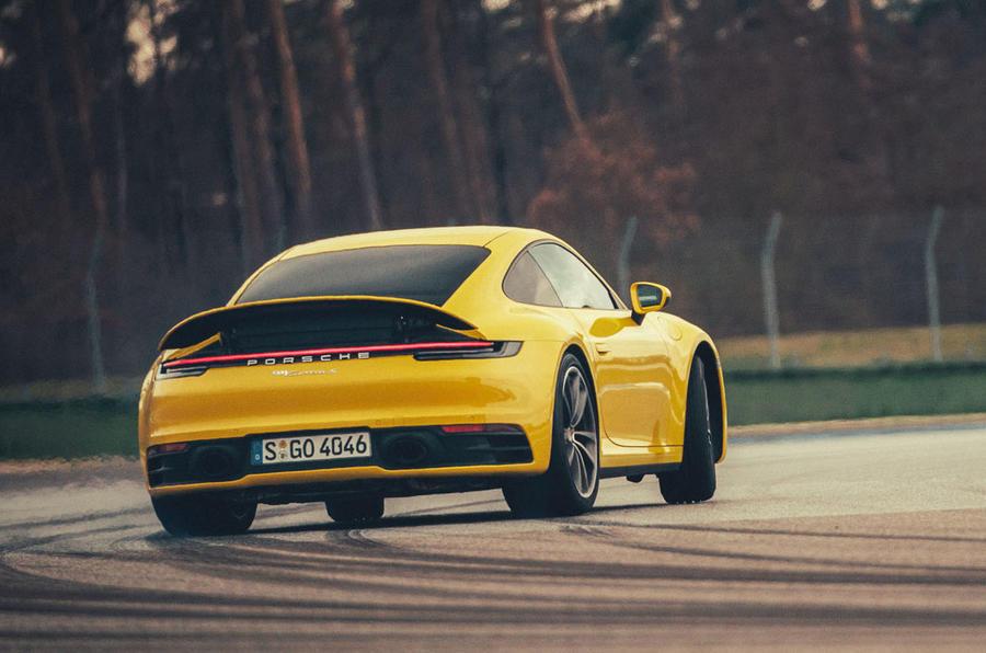 Porsche convoca recall de seis modelos por problemas no airbag  75-por10