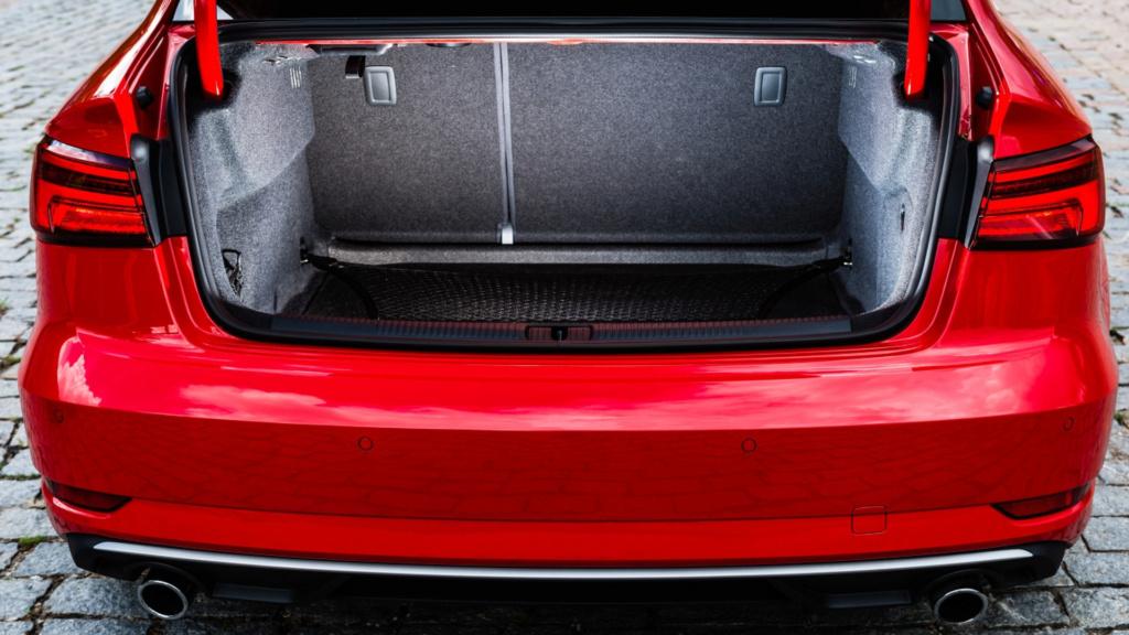 Audi oferece reposição gratuita de grade frontal após casos de furto A3-sed15