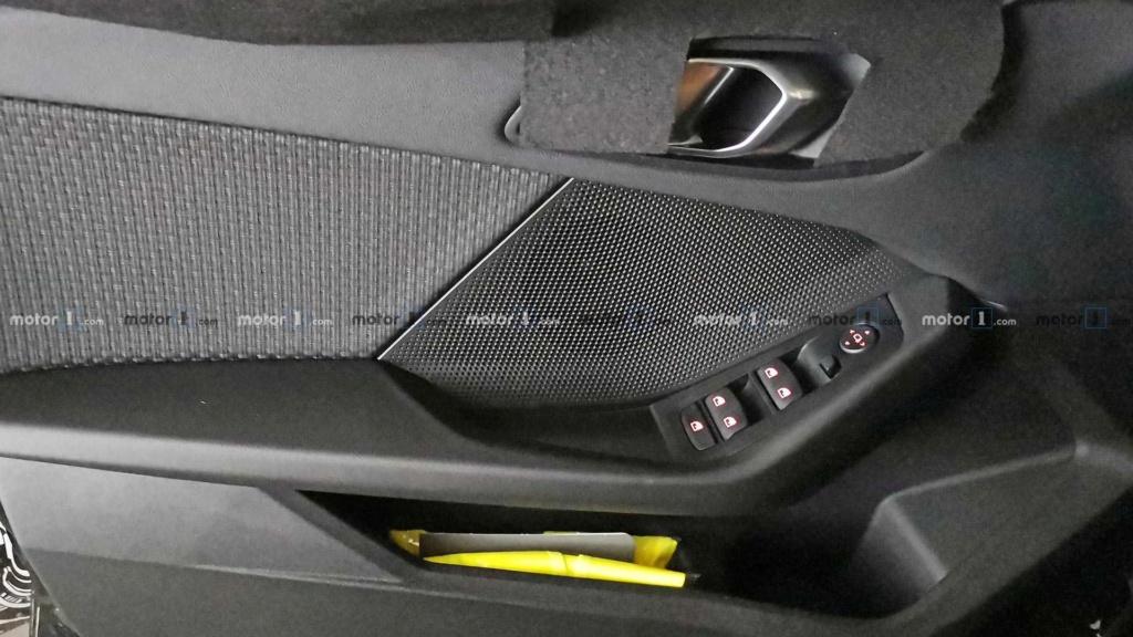 Novo BMW Série 1 revela interior em novas imagens Bmw-1-13