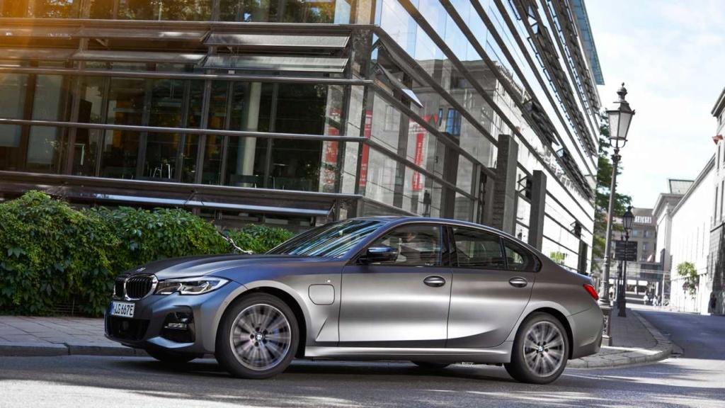 Novo BMW Série 3 2020 ganha versão híbrida que faz até 55,5 km/litro Bmw-3327