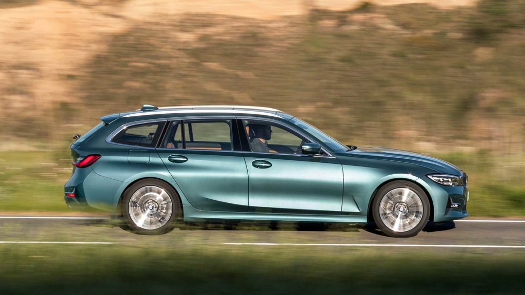 BMW Série 3 Touring chega à sexta geração após 32 anos de história Bmw-3e16