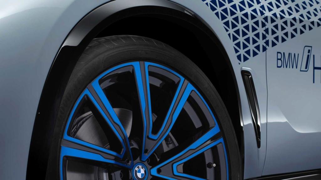 BMW i Hydrogen NEXT antecipa X5 movido a hidrogênio Bmw-i-12