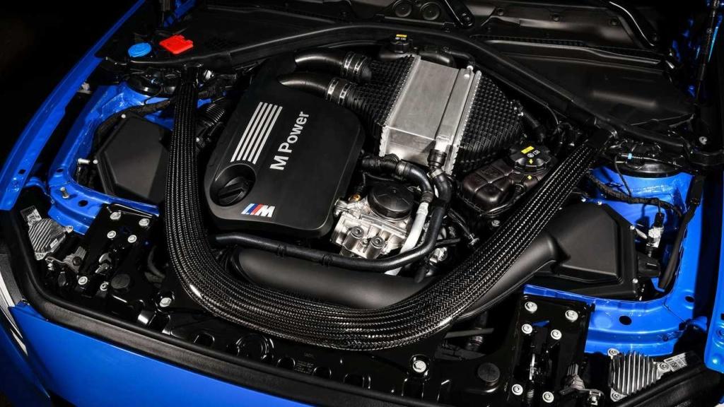 BMW M2 CS tem 445 cv e câmbio manual de 6 marchas Bmw-m212