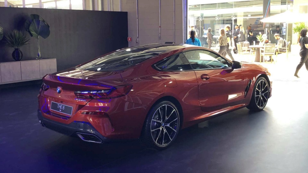BMW X7 chega ao Brasil em versão xDrive50i M Sport por R$ 619.950 Bmw-m815