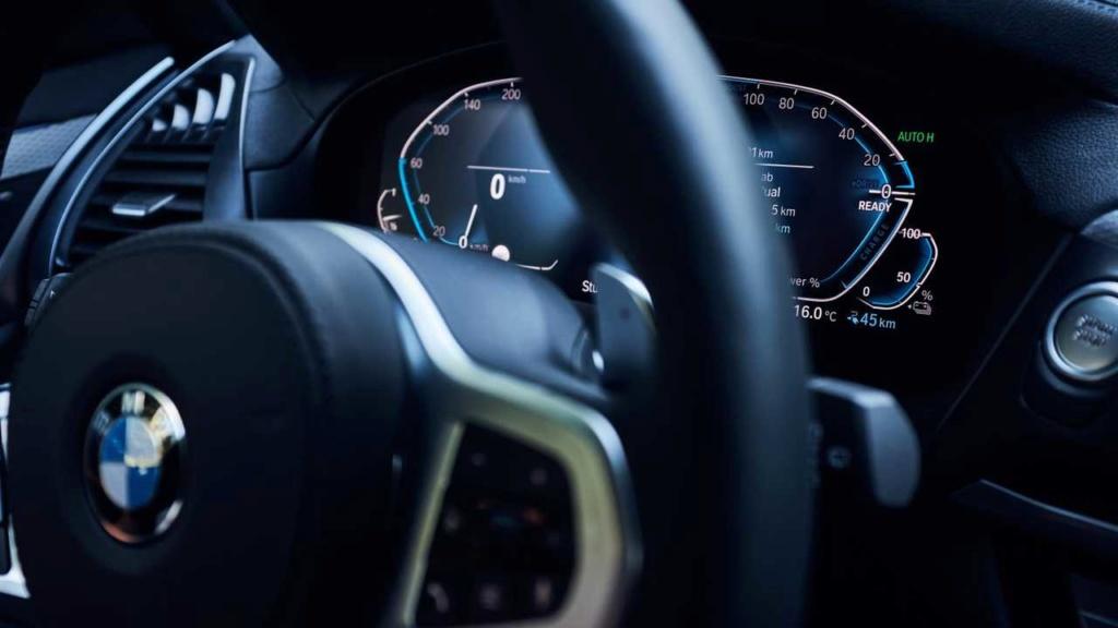 Novo BMW X3 híbrido plug-in é revelado com 292 cv Bmw-x320