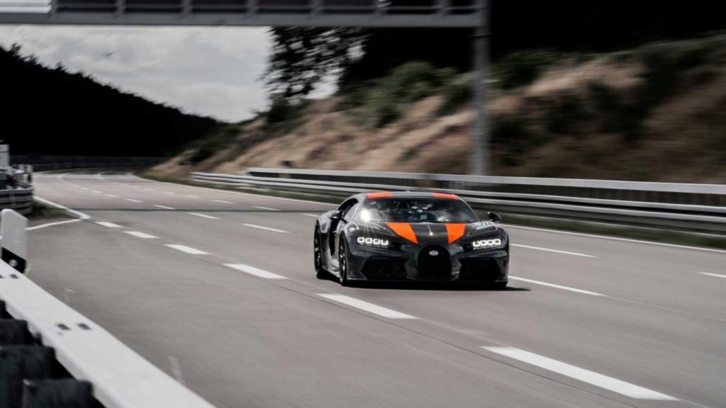 Bugatti Chiron chega aos 490,48 km/h e quebra recorde Bugatt38