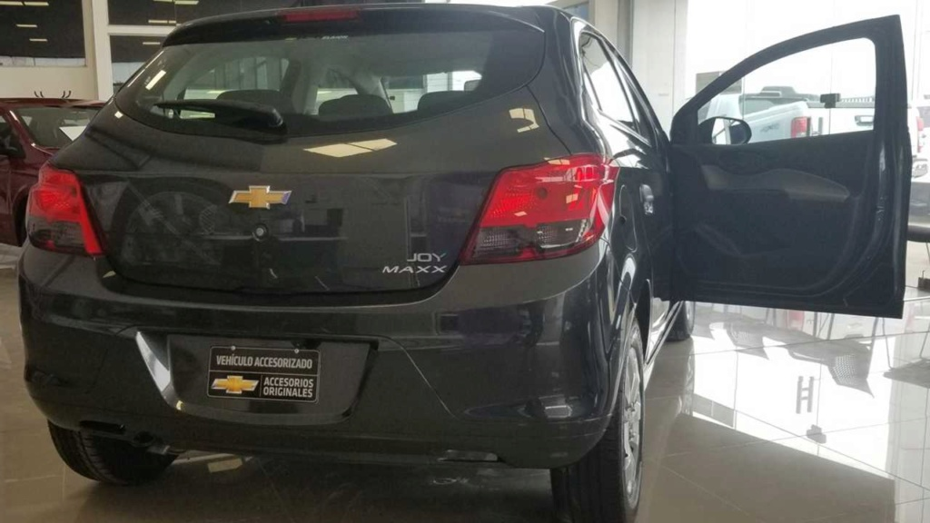 Chevrolet Onix Joy e Prisma Joy ganham versão Maxx na Argentina Chevr109