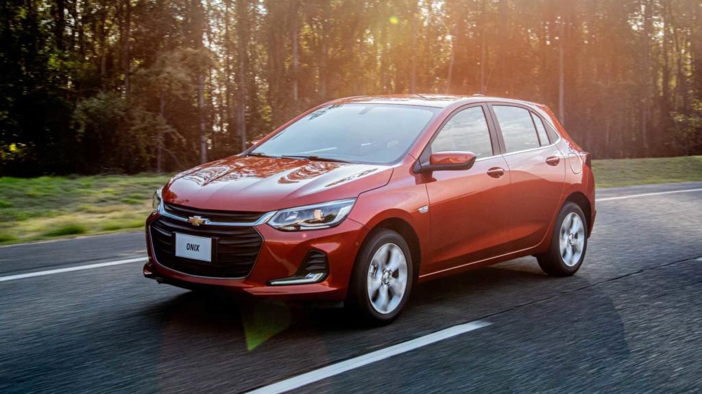 Chevrolet Onix Hatch 2020: Preços, versões e equipamentos Chevr144