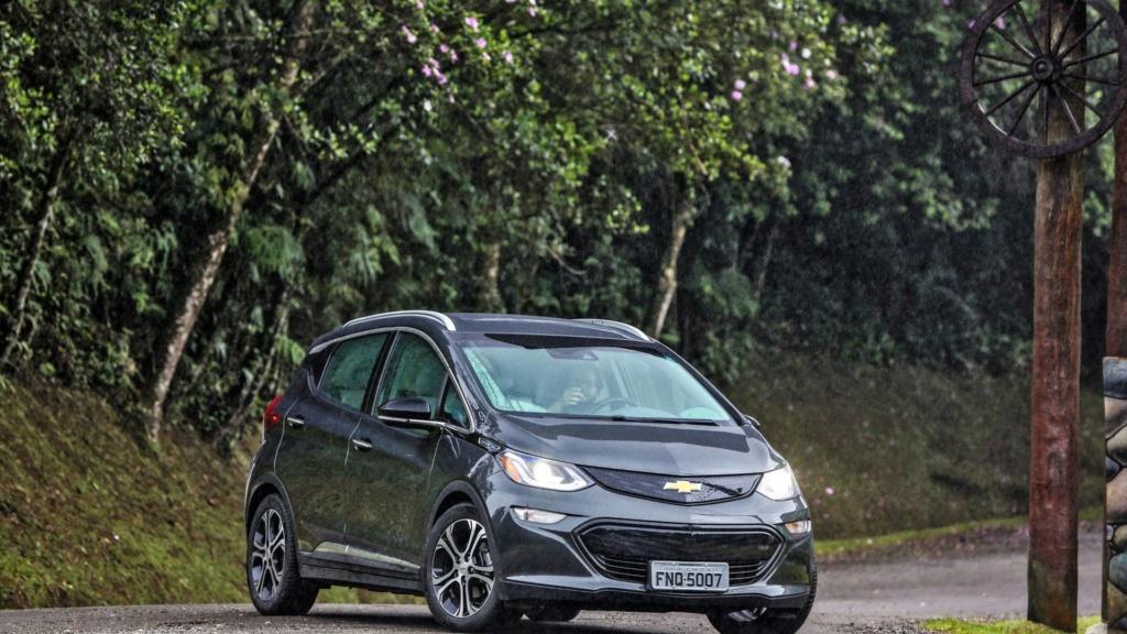 Chevrolet Bolt é oficialmente lançado no Brasil por R$ 175 mil Chevr153