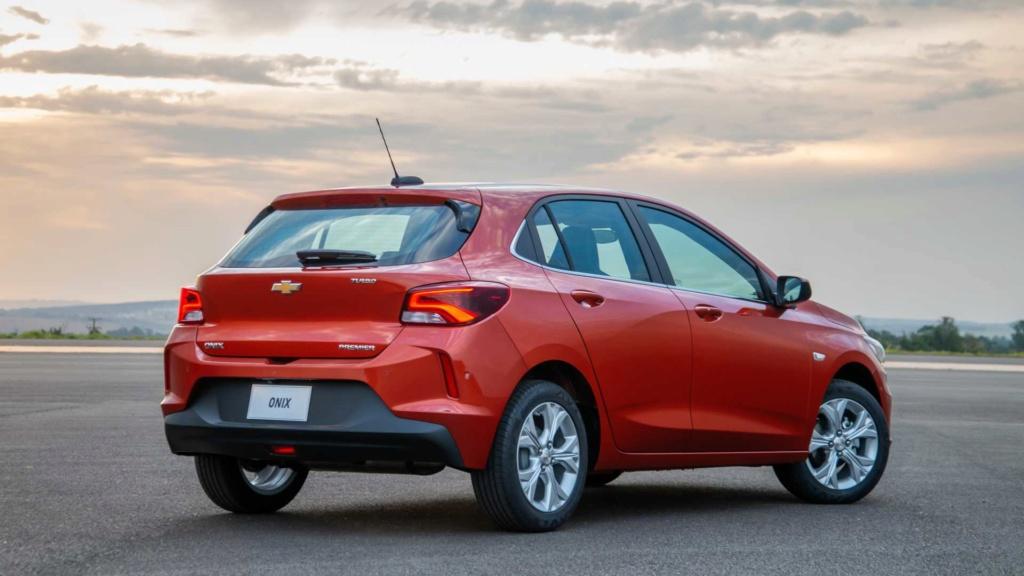 Vídeo - Levamos o Chevrolet Onix 2020 turbo para a pista! Chevr159