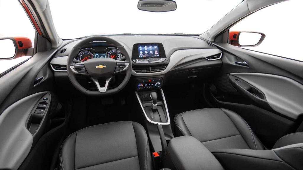 Vídeo - Levamos o Chevrolet Onix 2020 turbo para a pista! Chevr160