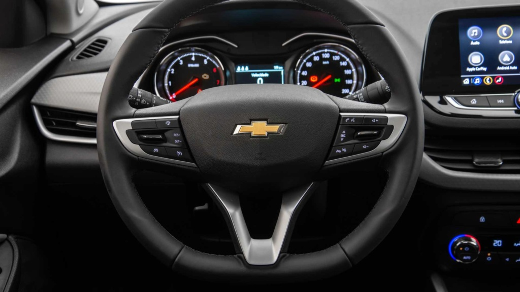 Vídeo - Levamos o Chevrolet Onix 2020 turbo para a pista! Chevr161