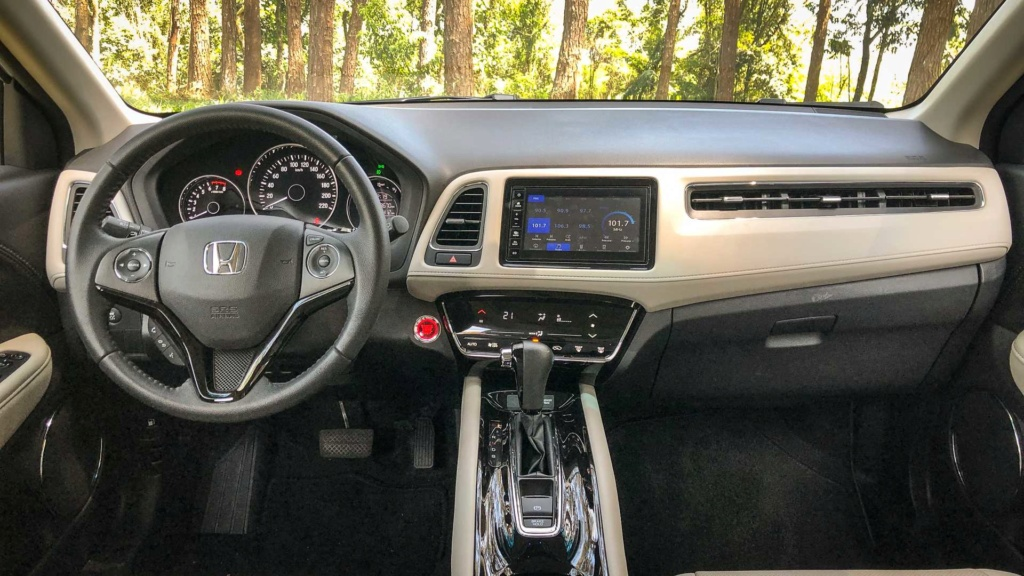 Promoção do Honda HR-V tem bônus de R$ 6 mil e parcelas de R$ 999 Civic-10