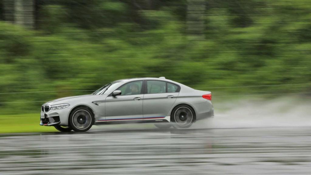 Track day: Novo BMW M5 encara Audi RS6 e Porsche Panamera na pista Compar11