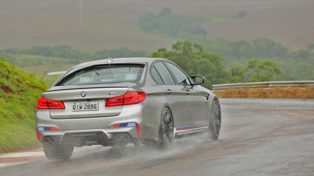 Track day: Novo BMW M5 encara Audi RS6 e Porsche Panamera na pista Compar12