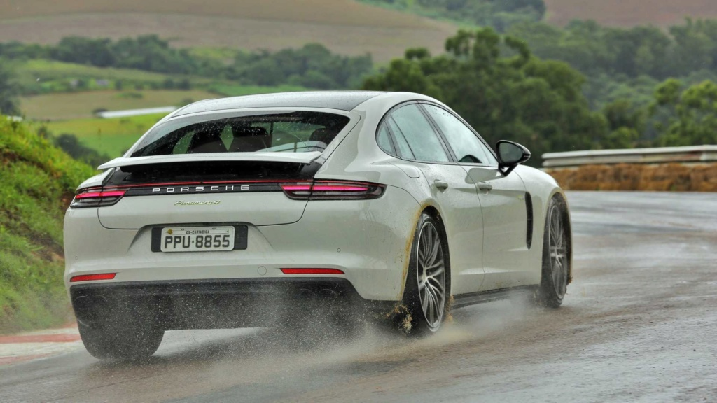 Track day: Novo BMW M5 encara Audi RS6 e Porsche Panamera na pista Compar25