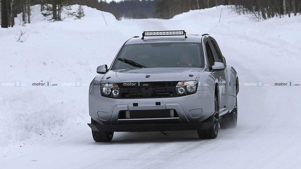 Flagra: Renault Duster elétrico aparece em testes na Europa Dacia-11