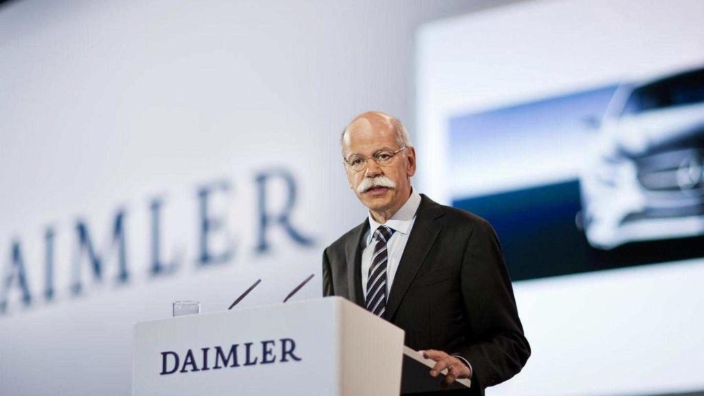 BMW faz homenagem bem-humorada ao ex-chefão da Mercedes-Benz Dieter10