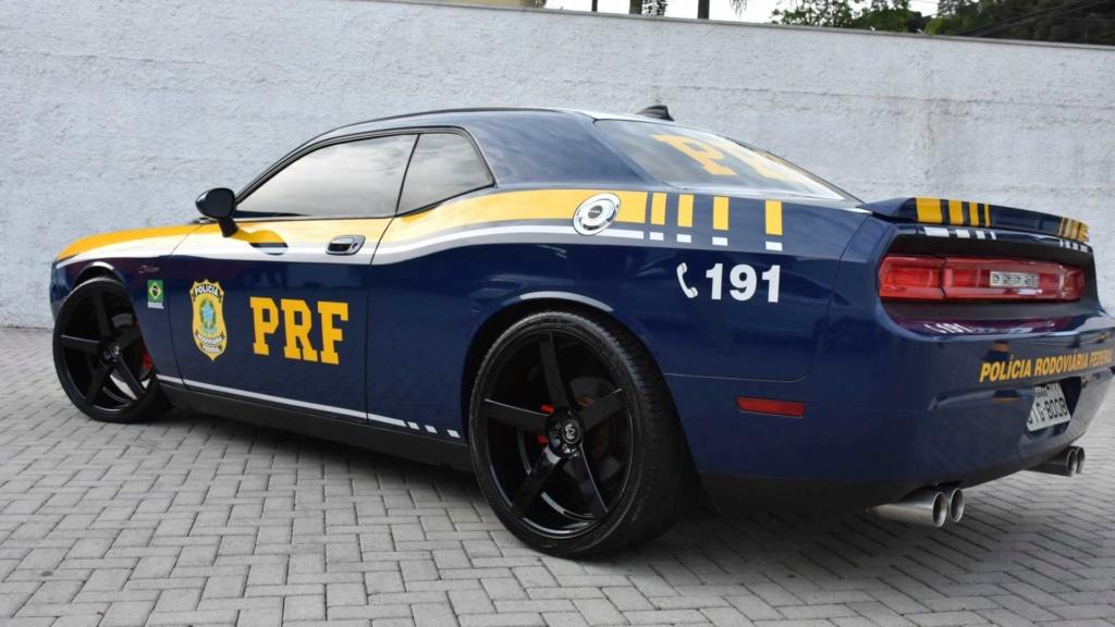 Dodge Challenger R/T apreendido vira viatura da Polícia Federal Dodge-11