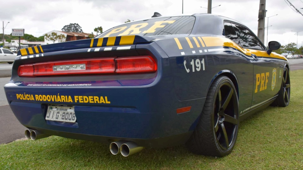 Dodge Challenger R/T apreendido vira viatura da Polícia Federal Dodge-13