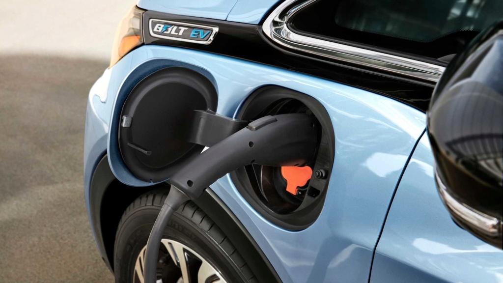 Alguns mitos sobre o carro elétrico Eletri10