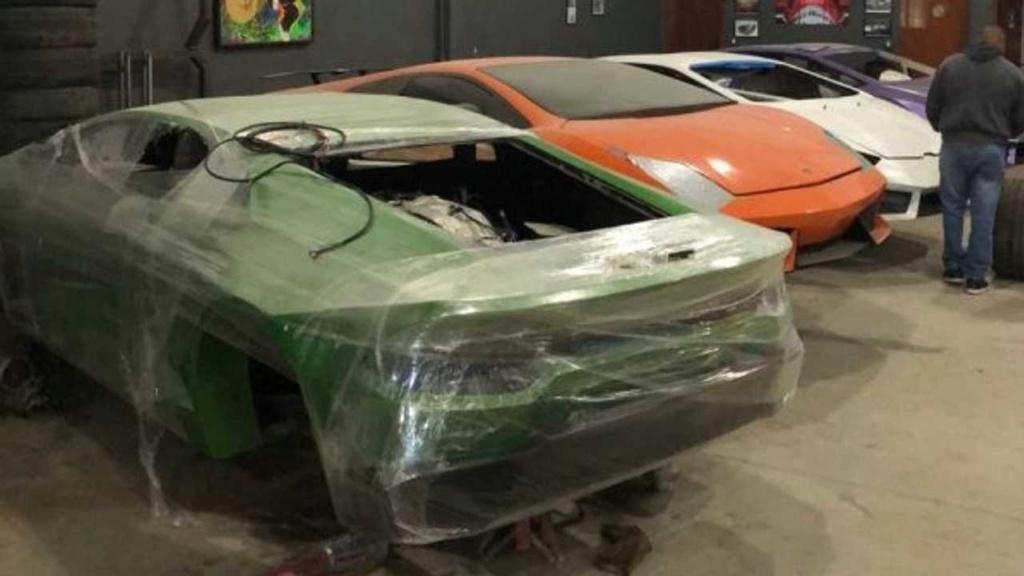 Fábrica clandestina de Ferrari e Lamborghini é fechada pela polícia Fabric15