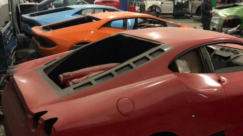 Fábrica clandestina de Ferrari e Lamborghini é fechada pela polícia Fabric16