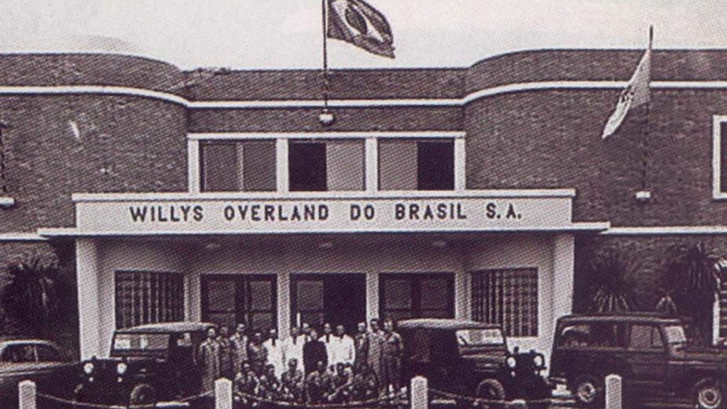 História: fábrica da Ford em SBC já produziu Jeep, Renault, VW e até Chrysler Fachad10